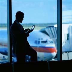 Waiting_at_the_airport_sm